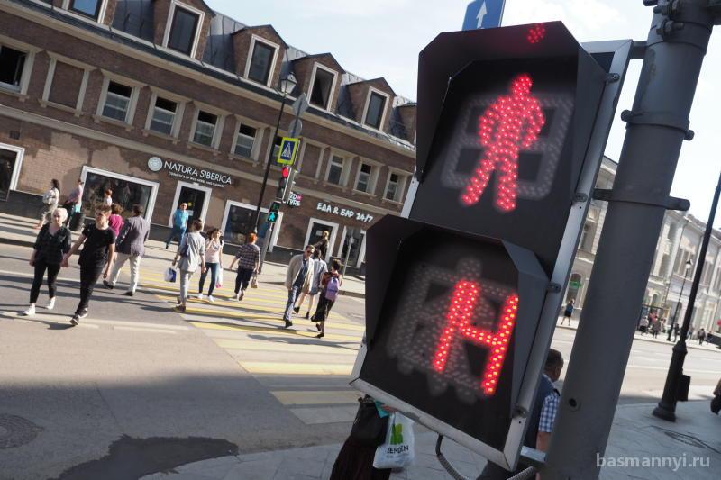 Работу 40 тысяч светофоров проверят в столице к осени