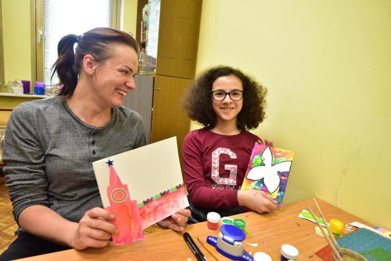 Студенты университета имени Николая Баумана подготовили поздравительные открытки ко Дню матери
