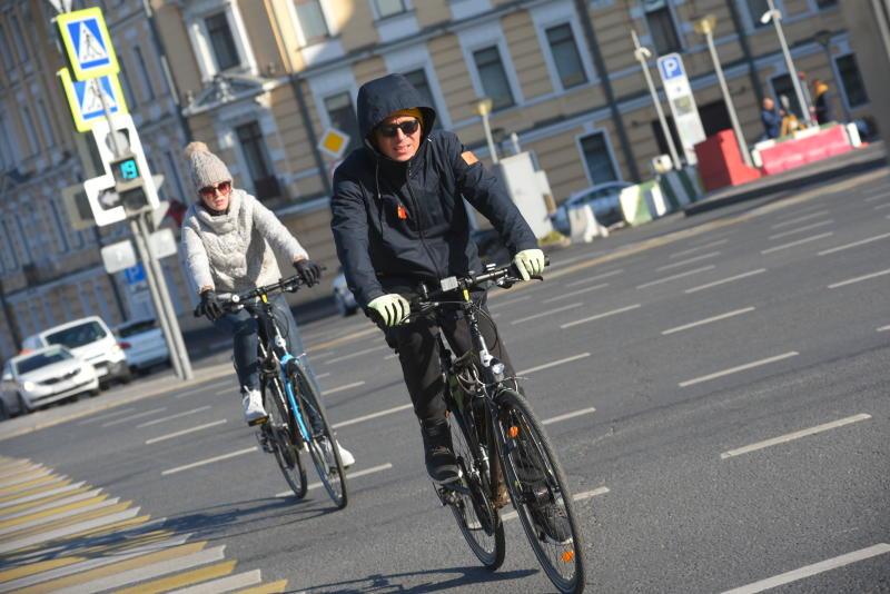 Движение транспорта ограничат на участке Семеновской набережной