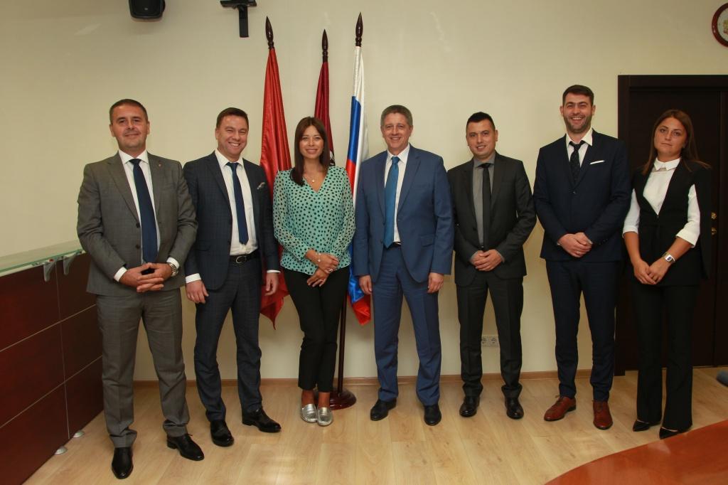 Руководство префектуры Центрального округа встретилось с делегацией из Сербии